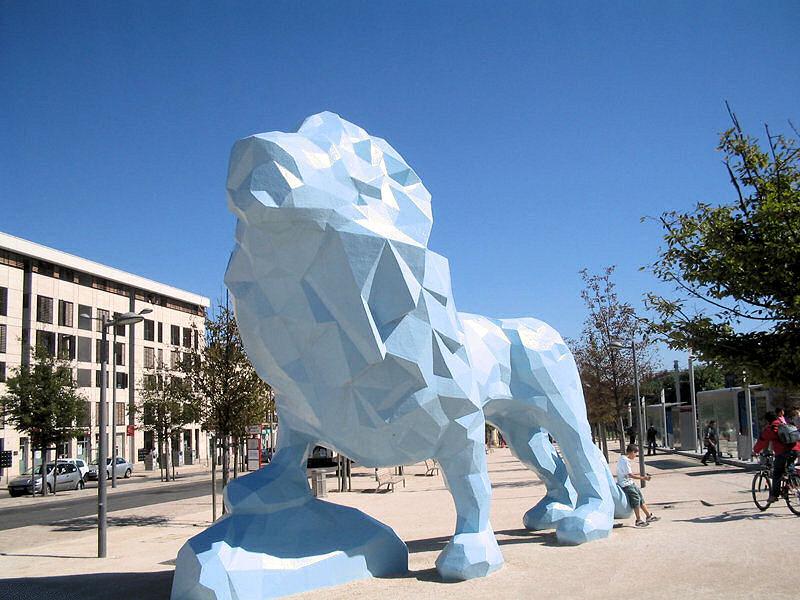 lion bleu Bastide Bordeaux