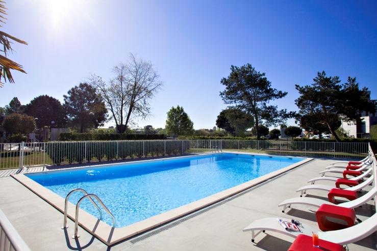 H tel best western bordeaux a roport le petit bordeaux for Hotel piscine bordeaux